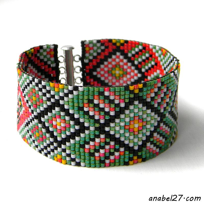Этно-браслет из бисера