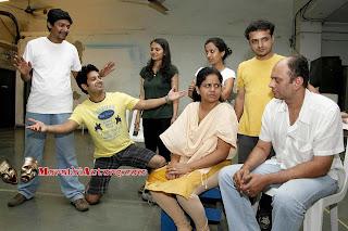 Gandhi Aadva Yeto marathi natak cast with photos