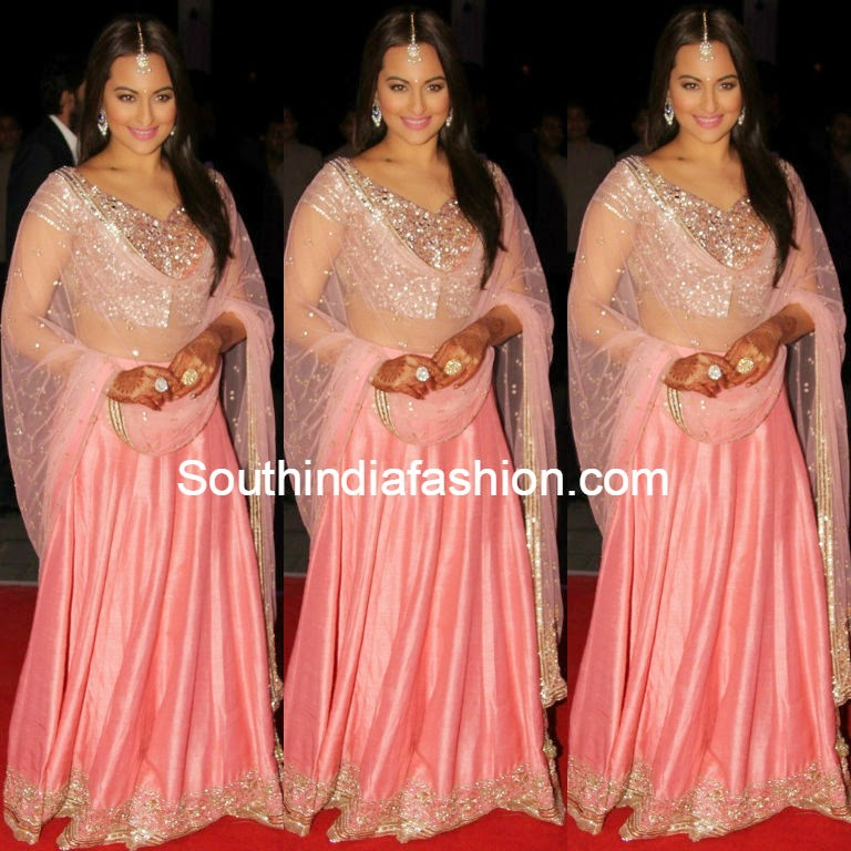 sonakshi sinha at her brother wedding reception