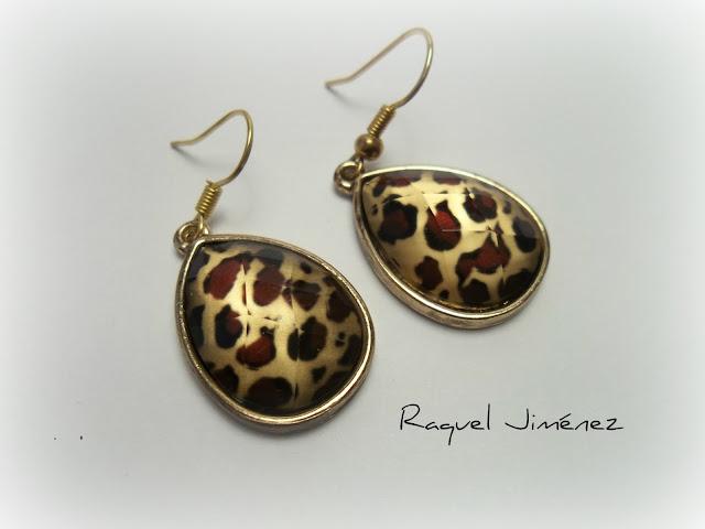 pendientes de leopardo.