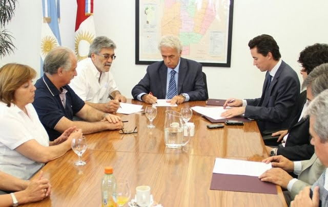 El SEP y Uepc acordaron con el Gobierno un bono navideño