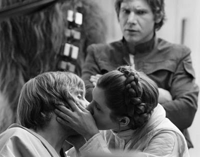 luke and leia kiss