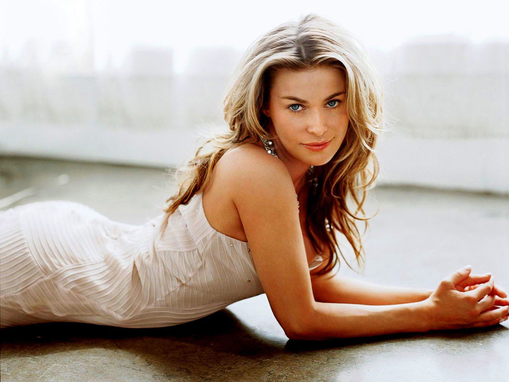 Lovely Wallpapers: Carmen Electra American Models