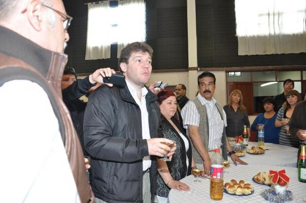 Nuevo aumento salarial a Rios y legisladores