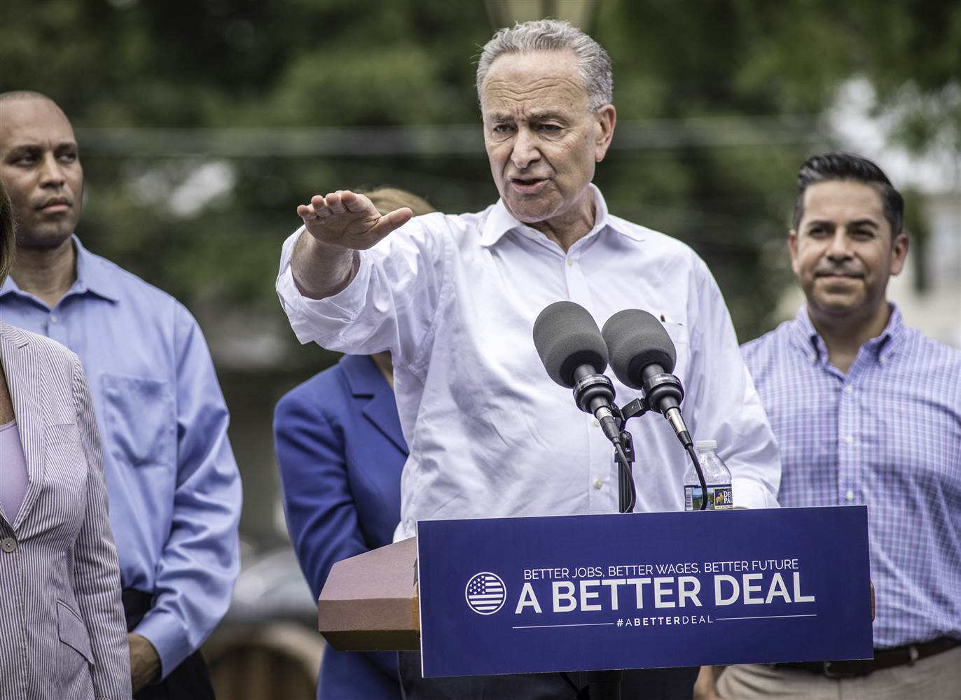 A BETTER DEAL: A NEW MESSAGE BY DEMOCRATS.