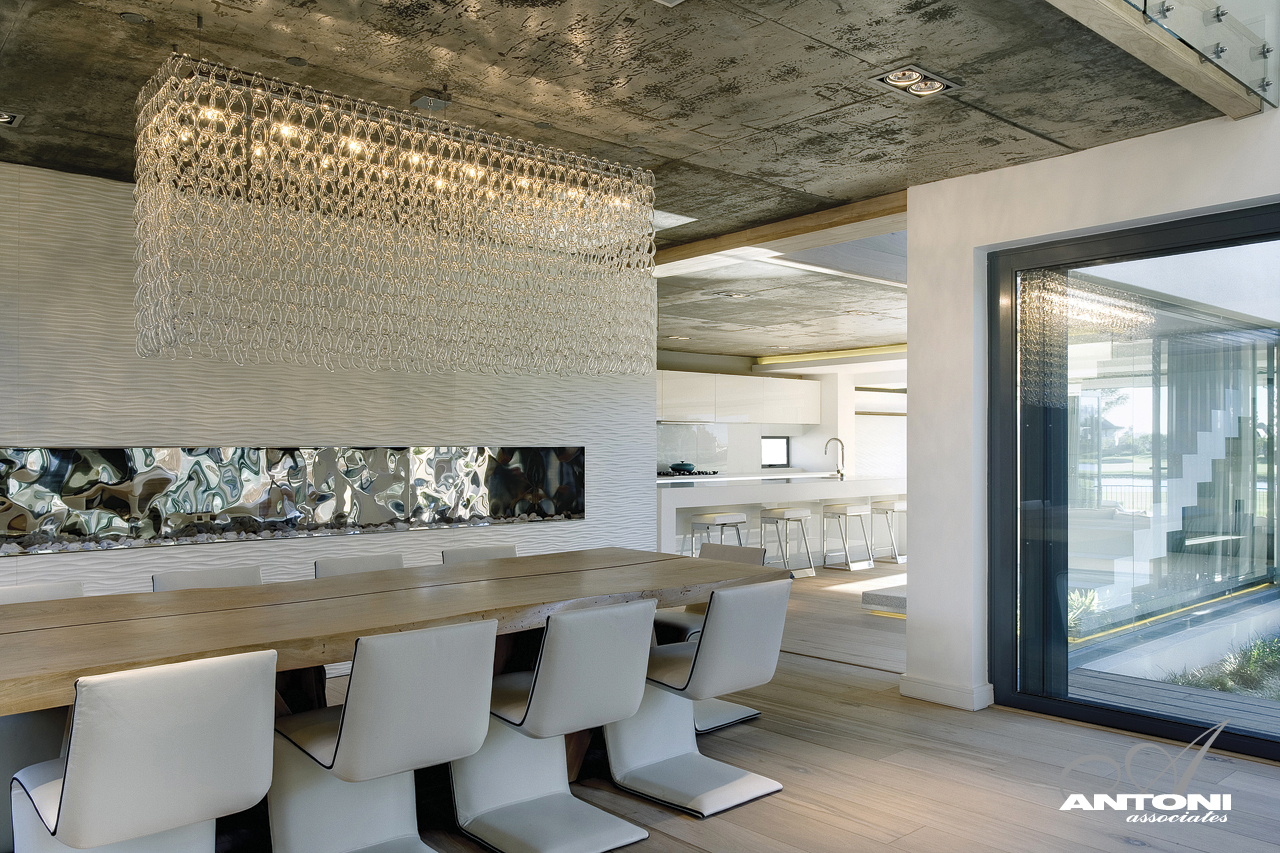 Pearl Valley 334 dining room by SAOTA, South Africa title=