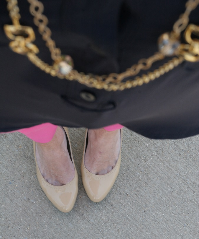 Gap, Adrienne Vittadini, DSW, Coach, Prada, CWonder, Simply Lulu Design, Stella Dot, Michael Kors, Banana Republic, Simply Lulu Style, LosPhoto, lulu looks, pink pants, gold jewelry,