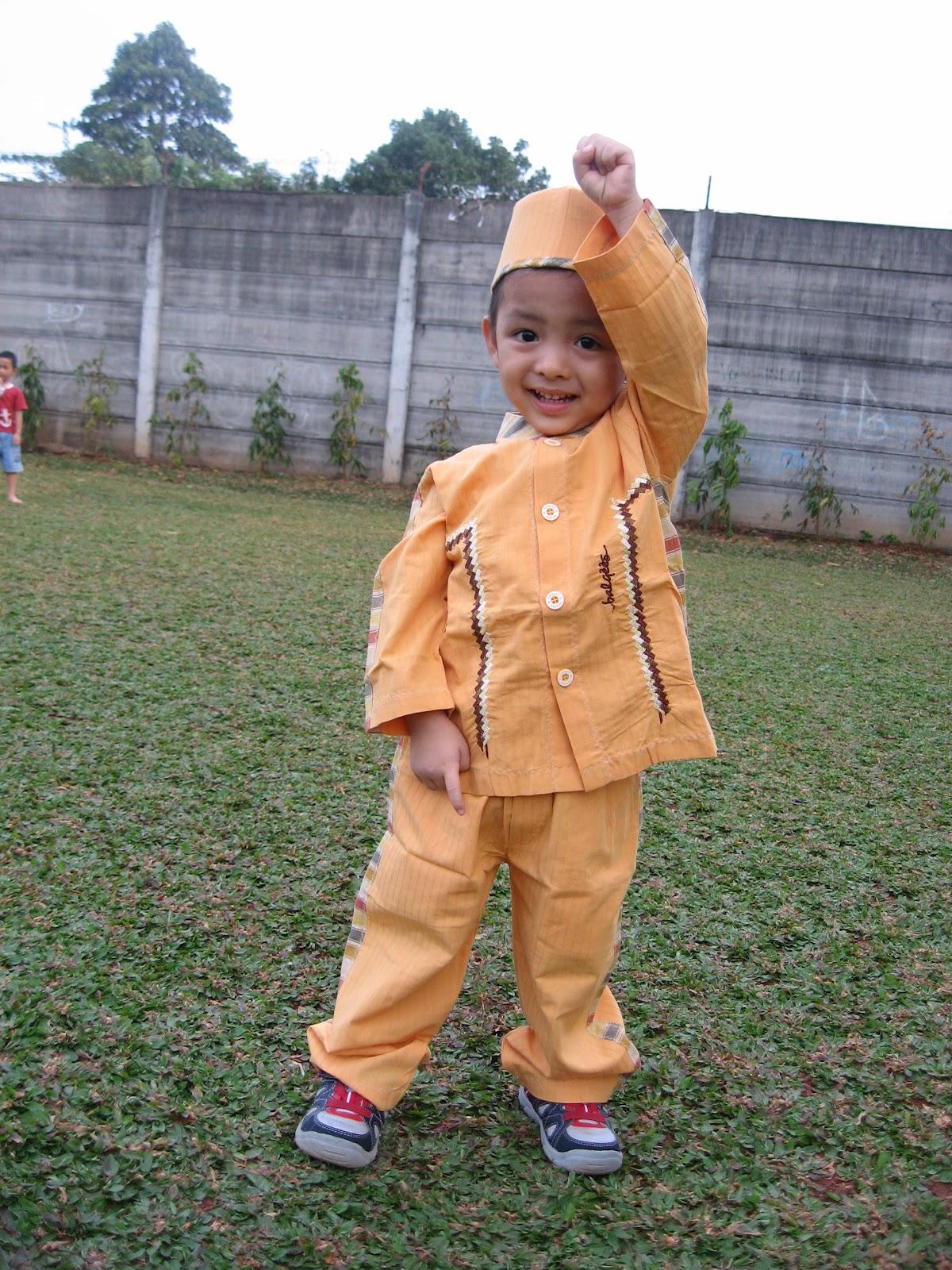 baju koko anak laki-laki umur 2 tahun
