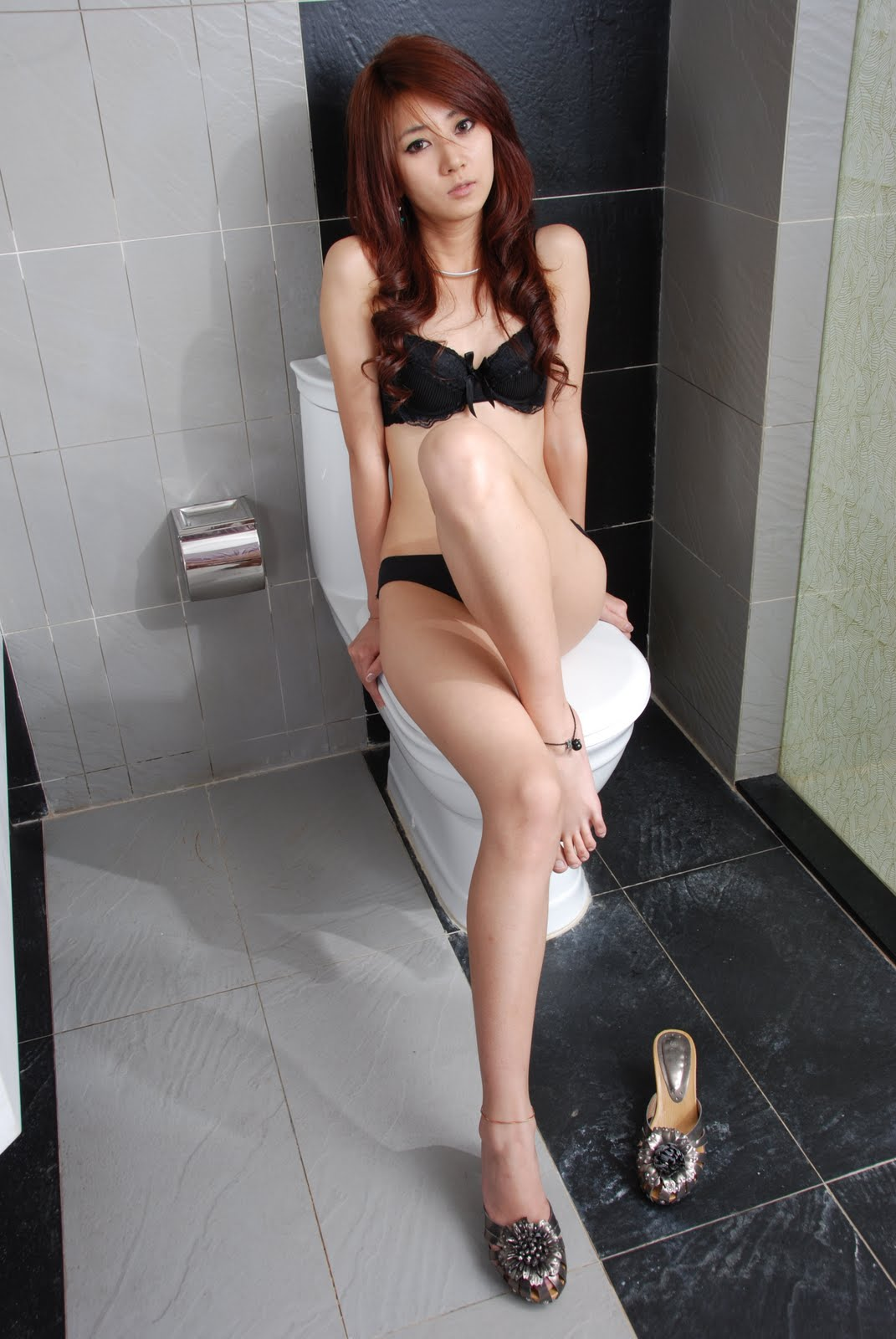 yan feng jiao controversial bikini pictorial 01