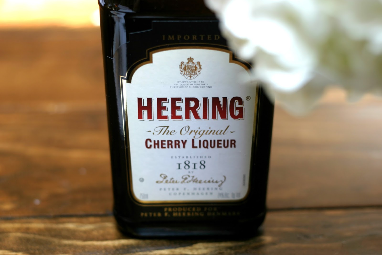 How to make a cherry liqueur yourself