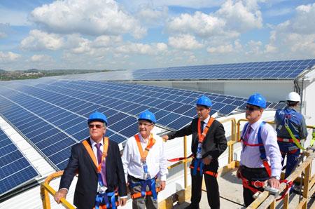 Cejalvo: 'La planta solar en la cooperativa agrícola de Alginet podrá abastecer a 3.000 personas'