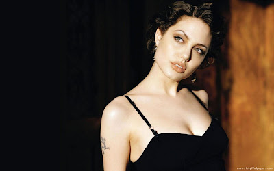 Angelina Jolie Wallpaper in Black