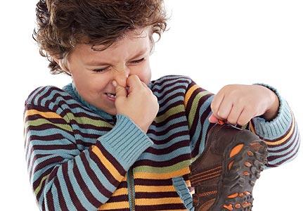 TIPS: Hilangkan bau di sepatu