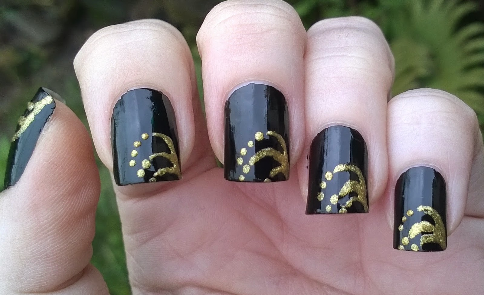 Life World Women Blackgolden Party Nails For New Years Eve