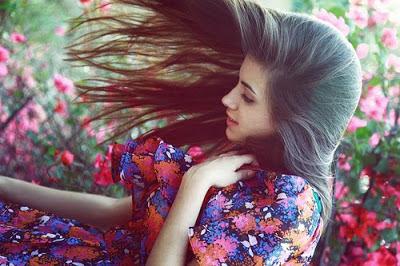 A mulher é um efeito deslumbrante da natureza. (Arthur Schopenhauer)