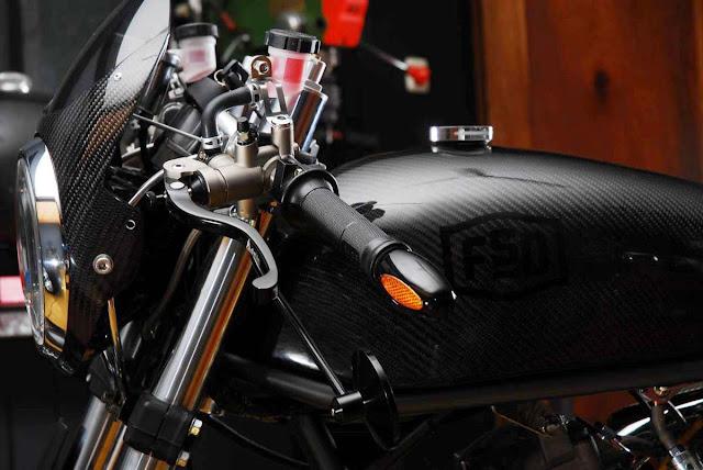Carbone mono racer MBC-+Moto+(2)