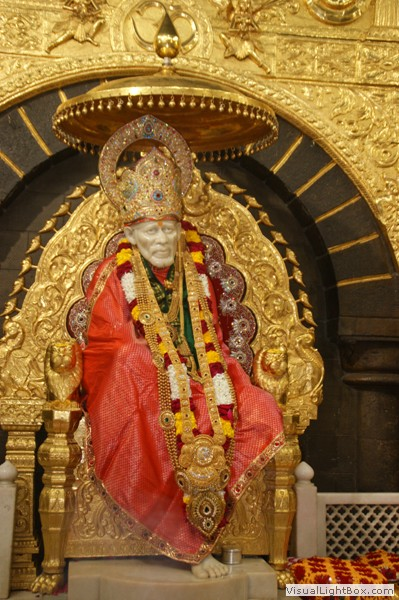 Complete Surrender To Shri Sai Baba Of Shirdi - Extracts from Shri Sai Satcharitra