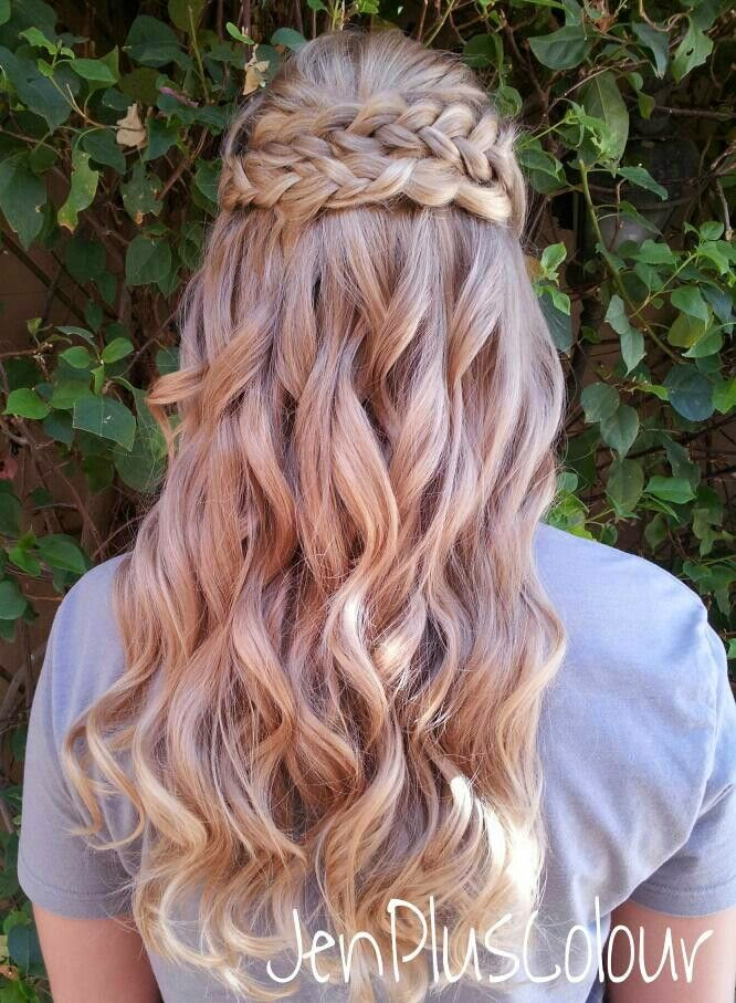 Astonishing 10 Great Braid Hairstyles For Brides Lots Of Love Susan Hairstyle Inspiration Daily Dogsangcom