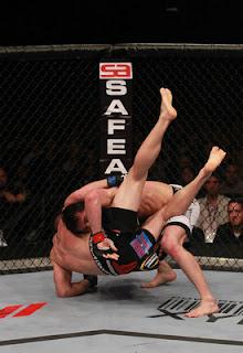 Chael Sonnen takedown