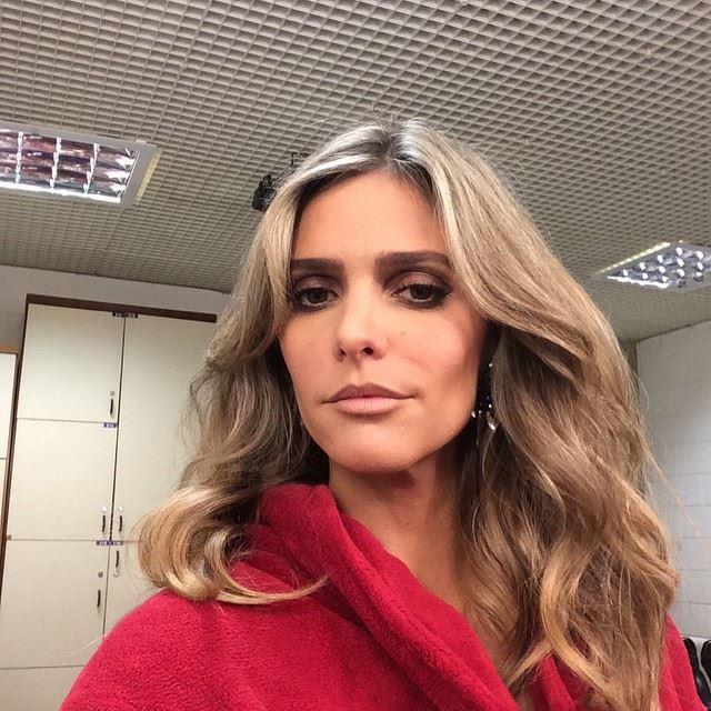 Fernanda Lima loira e ondulada - Foto: Facebook - reprodução