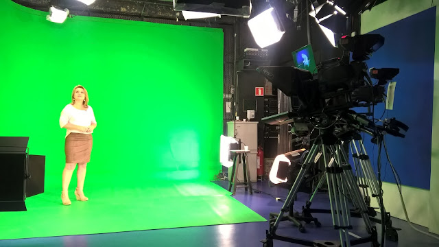 TV Tribuna, globo, Vanessa Faro, Televisão, estúdio, Corpo em Ação, estúdio TV Tribuna, Universidade Santa Cecília, Universidade Católica de Santos, TV Tribuna 1ª edição, Vânia Revheim, Revheim Dicas, Camarim, Cenário, Jornalista Vanessa Faro