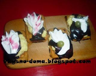 Творожные пирожные на печенье