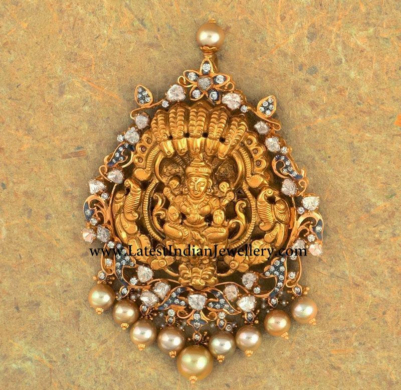 Lakshmi Pendant with Polkis