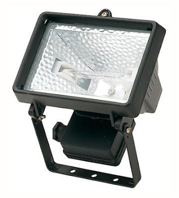 The EH Flood Light - 500W Enclosed Halogen Floodlight