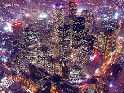 Vista desde el aire de la ciudad de Toronto en la noche