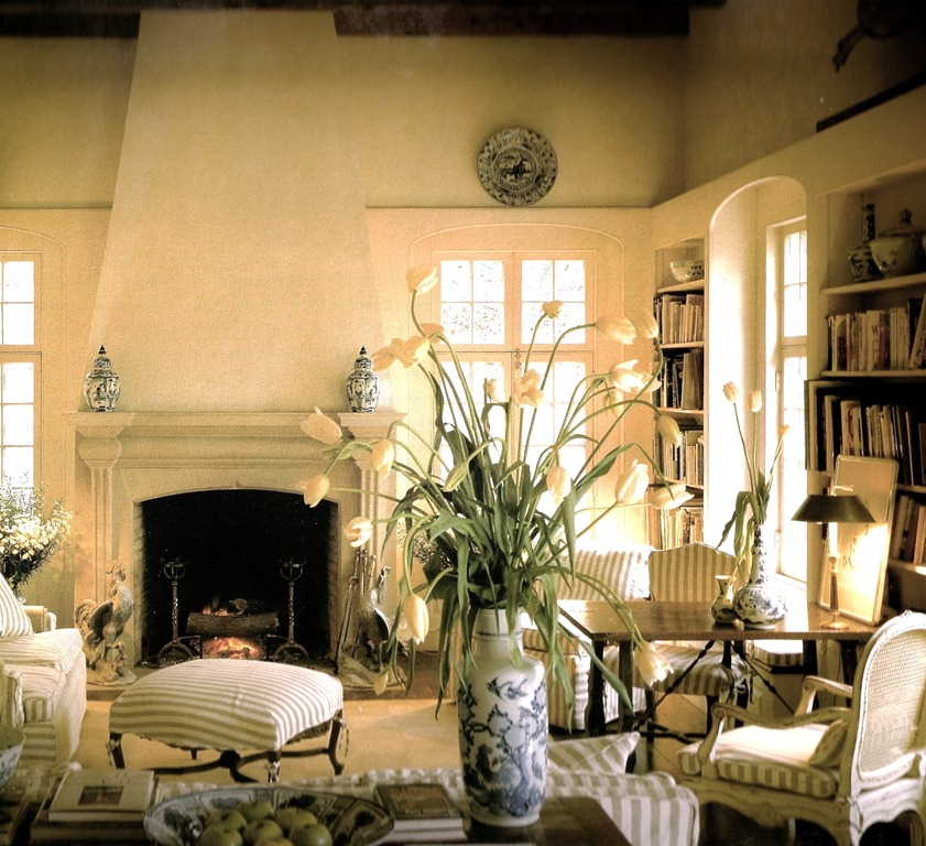 Eye for design how to create elegant and relaxed neutral for Elegant neutral living rooms