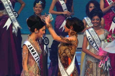 miss puteri indonesia 2011,miss puteri 2011,Maria Selena