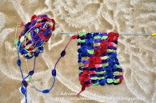 fular tricotat cu fir pom-pom