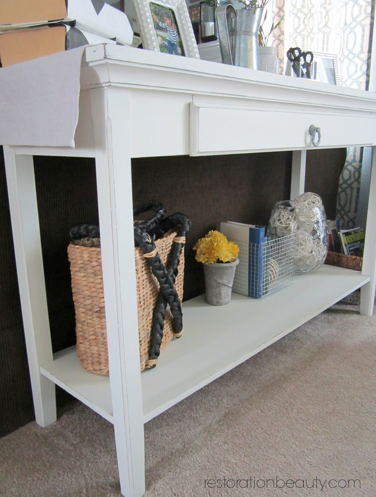 Restoration beauty sofa table makeover using diy chalk paint sofa table makeover using diy chalk paint geotapseo Images