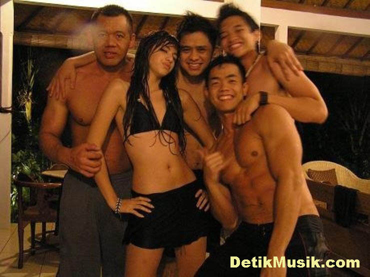 Nia Ramadhani - Picture Hot