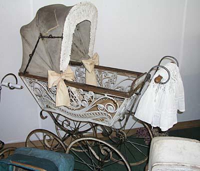 Тележки из старых колясок