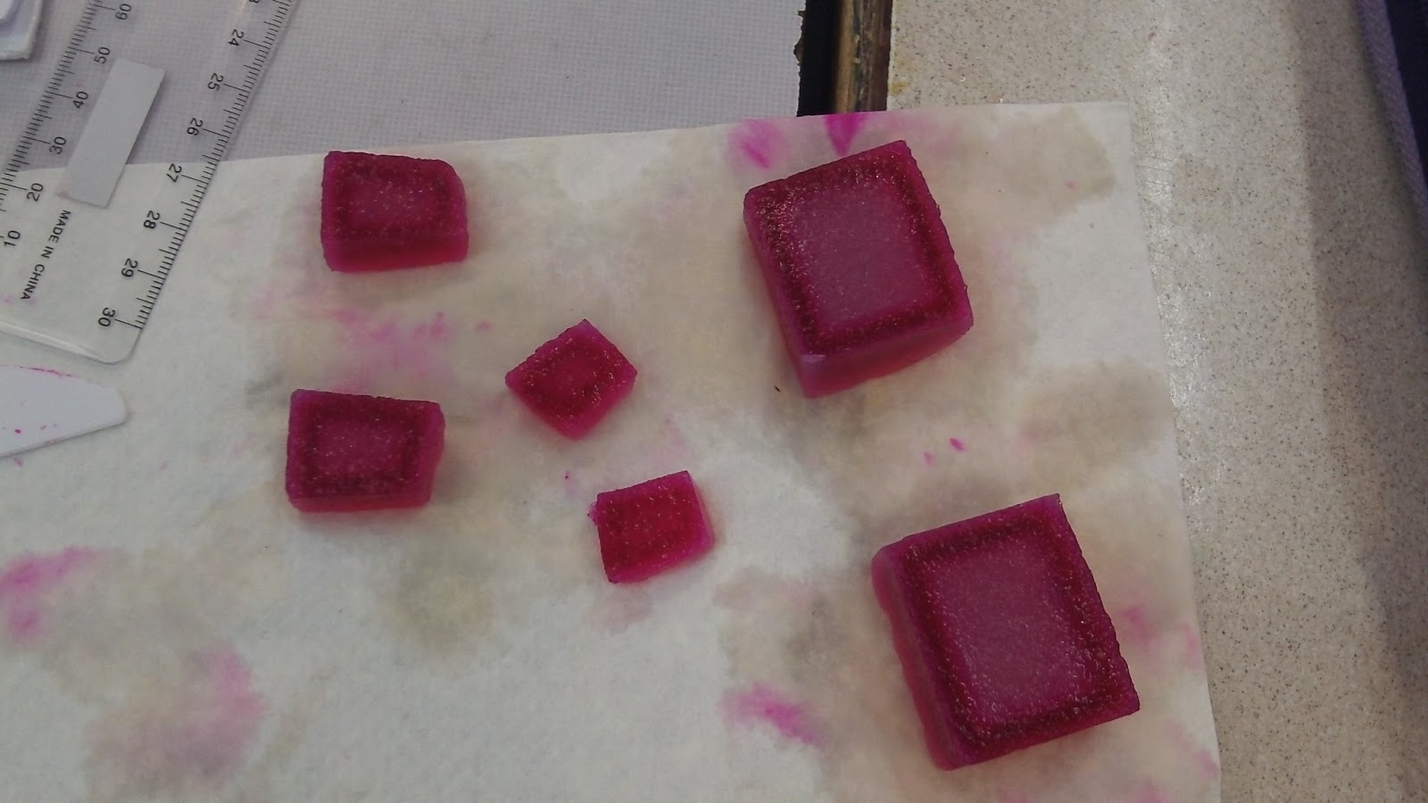 decolorizing agar cubes with naoh Help students explore the relationship between diffusion and cell size using little blocks of prepared agar be sure to subscribe and check out more videos.