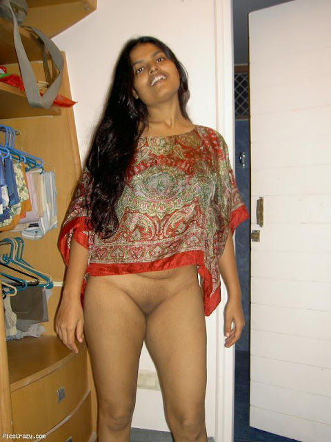 Hot Desi Aunty Topless indianudesi.com