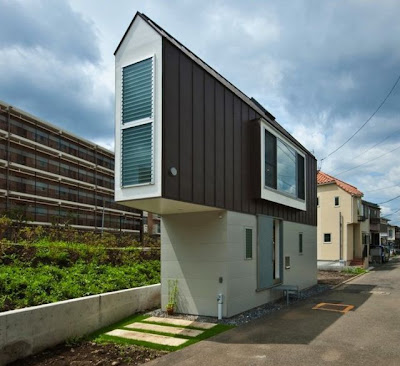 Casa num terreno minúsculo de Kota Mizuishi