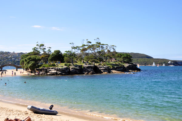 balmoral beach harbour view