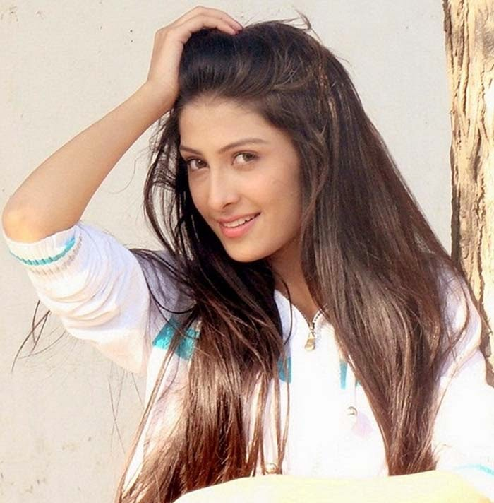 Aiza khan also spelled as ayeza khan urdu born