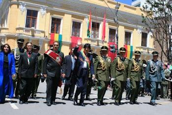 escapa Evo de una manifestación en su contra en plena efemérides de Oruro.