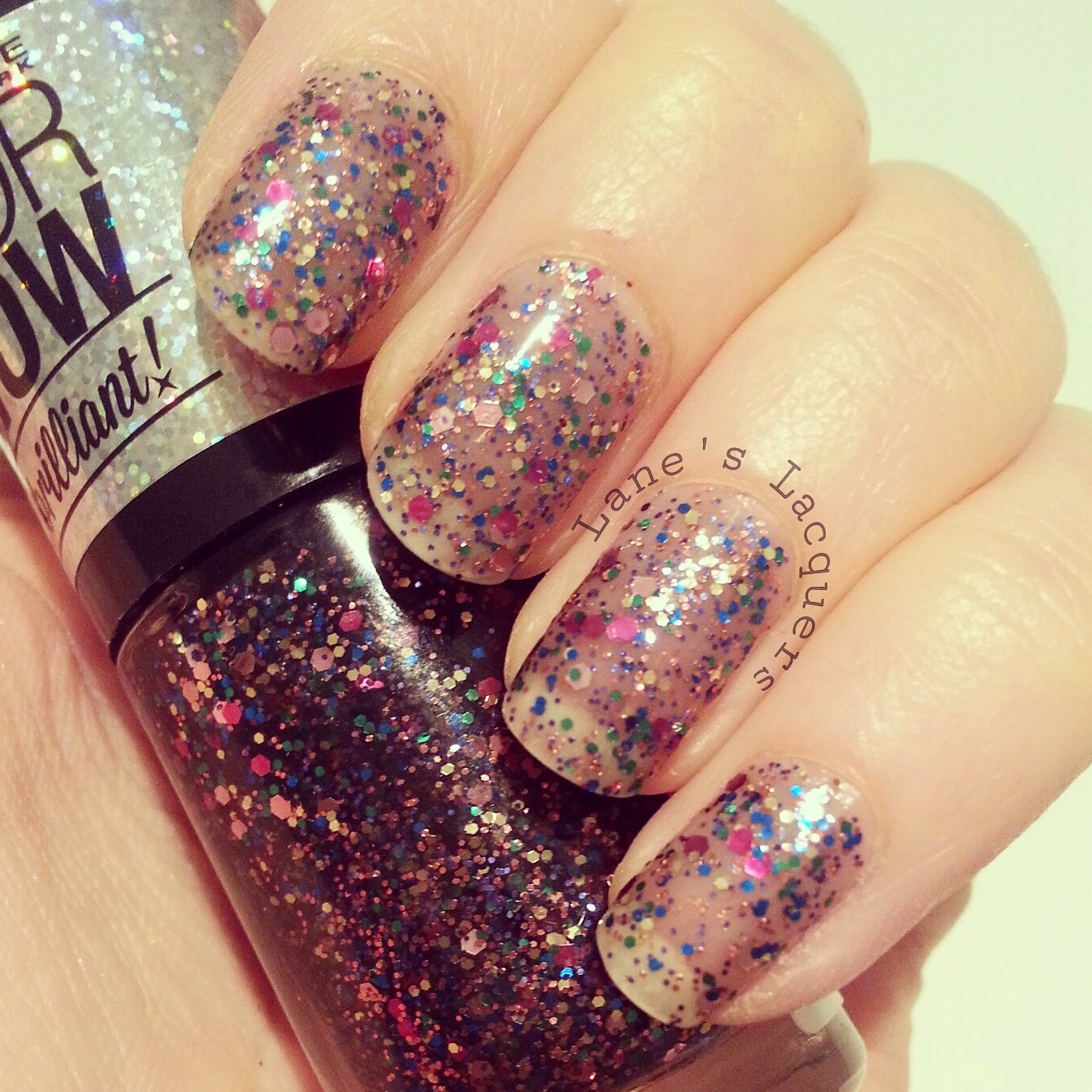 maybelline-colorshow-be-brilliant-spark-the-night-swatch-nails (2)