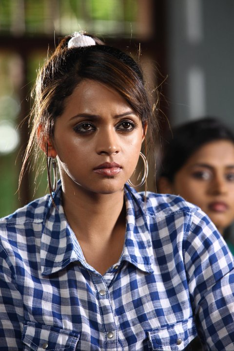 Bhavana hot new lok in Dr.Love