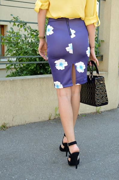 http://www.stylemoi.nu/floral-print-high-waist-pencil-skirt.html?acc=314