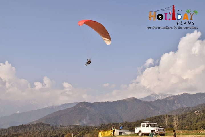 Some other paragliders near landing