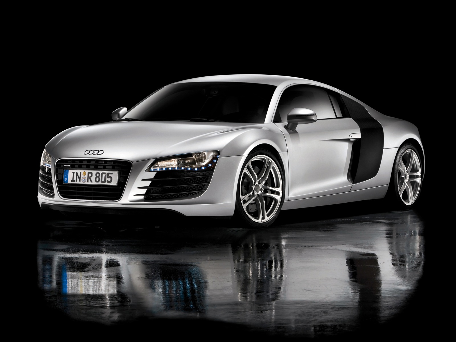 voitures et automobiles audi r8. Black Bedroom Furniture Sets. Home Design Ideas