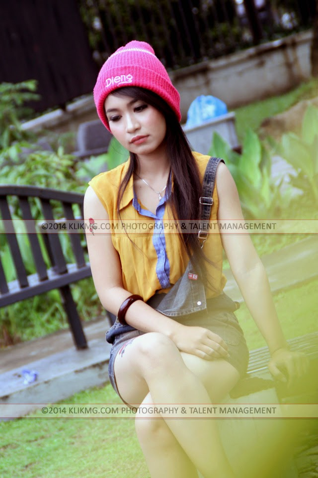Velita Model Purwokerto dalam Balutan Busana Casual nan Seksi & Menawan | Tata Rias oleh : Esti Ariani Rias Pengantin Purwokerto