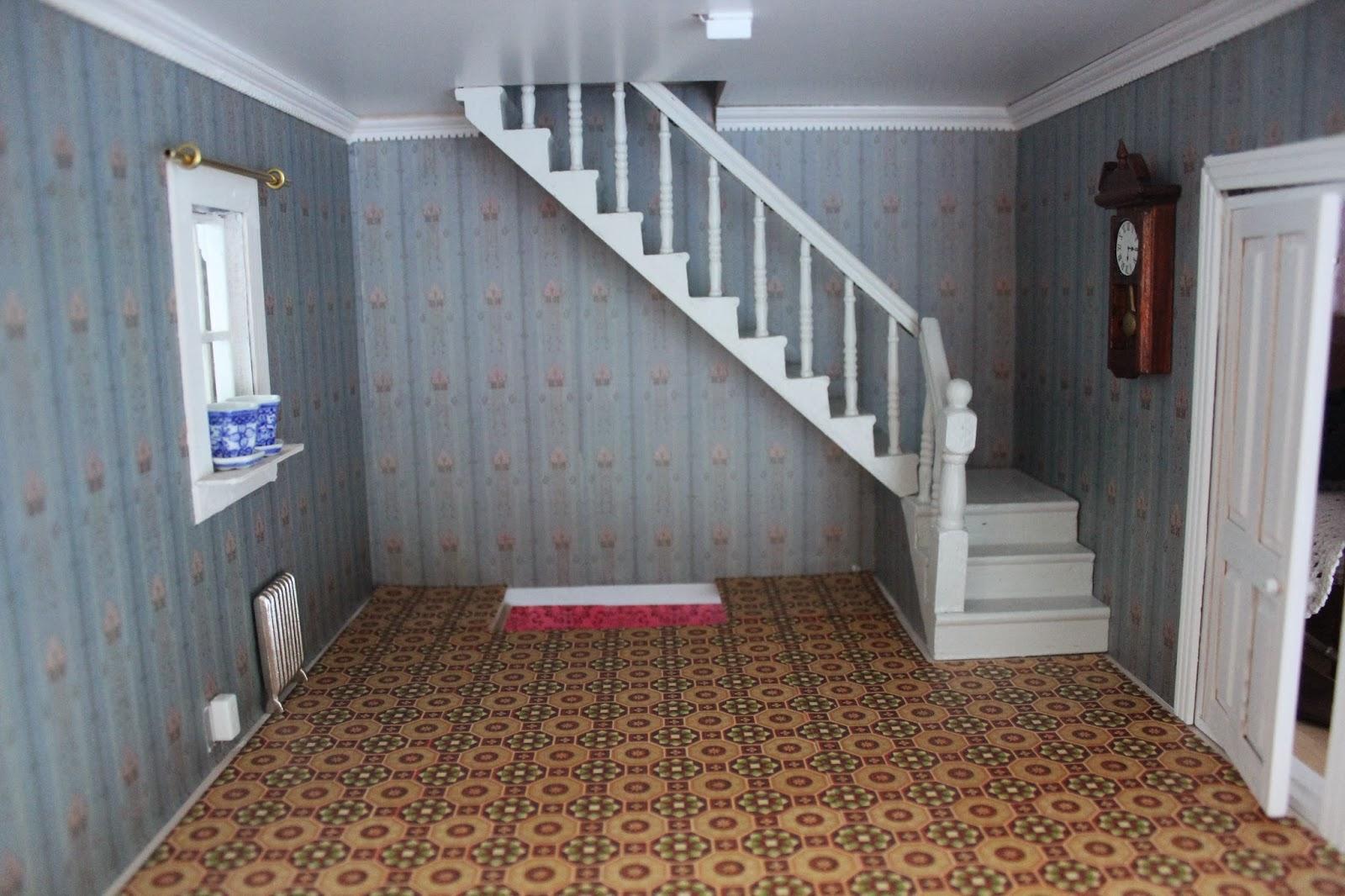 Yvonnes dockskåpsblogg: jag gjorde om den hemska trappan