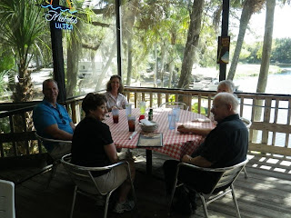 Lunch on the Linger Lodge veranda overlooking the Braden River.