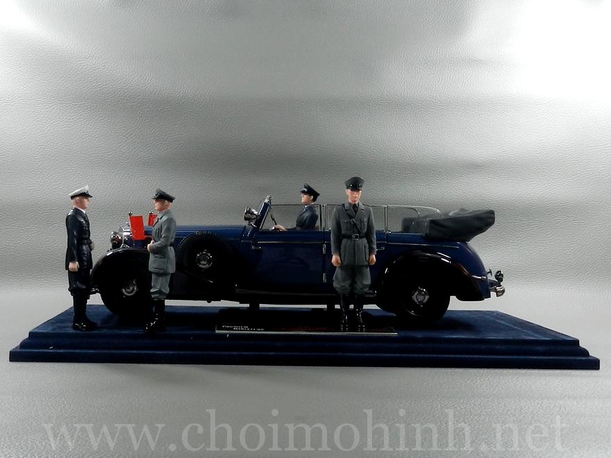 Mercedes-Benz 770K Cabriolet 1938 1:18 Primier Miniature Signature Models side